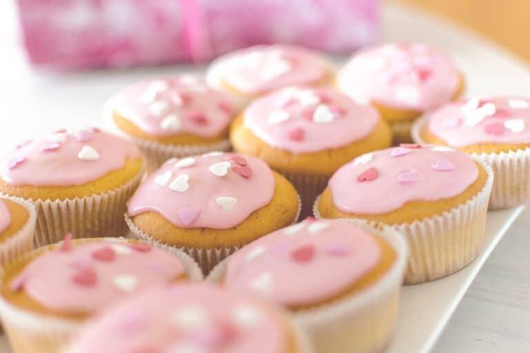 cakes, dessert, sugar-3257019.jpg
